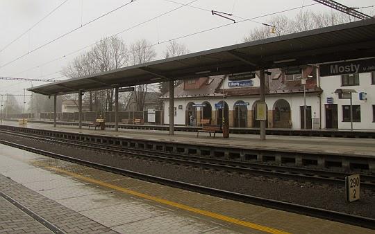 """Stacja kolejowa """"Mosty u Jablunkova""""."""