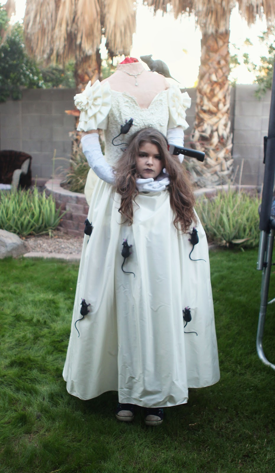 This costume may be a little gruesome for some  sc 1 st  jill and the little crown & jill and the little crown: How to make a headless costume!