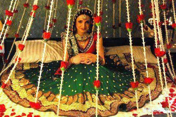 Sad Girl With Rose Wallpaper Hd Wallpapers Snaya Irani