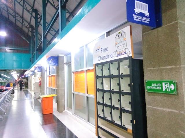 Review Stasiun Kertapati Palembang. Fasilitas nyaman