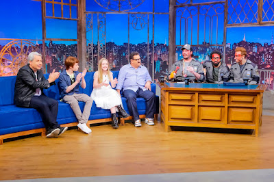 Sikêra, Matheus, Pietra, Ratinho, Murilo, Danilo e Léo durante entrevista (Crédito: Gabriel Cardoso/SBT)