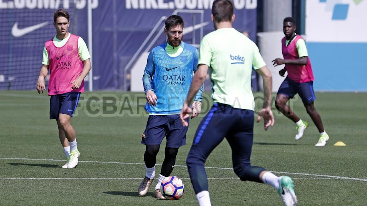 da9cbbb3d64b Higher Collar  Messi Trains in New Unreleased Blackout Adidas ...