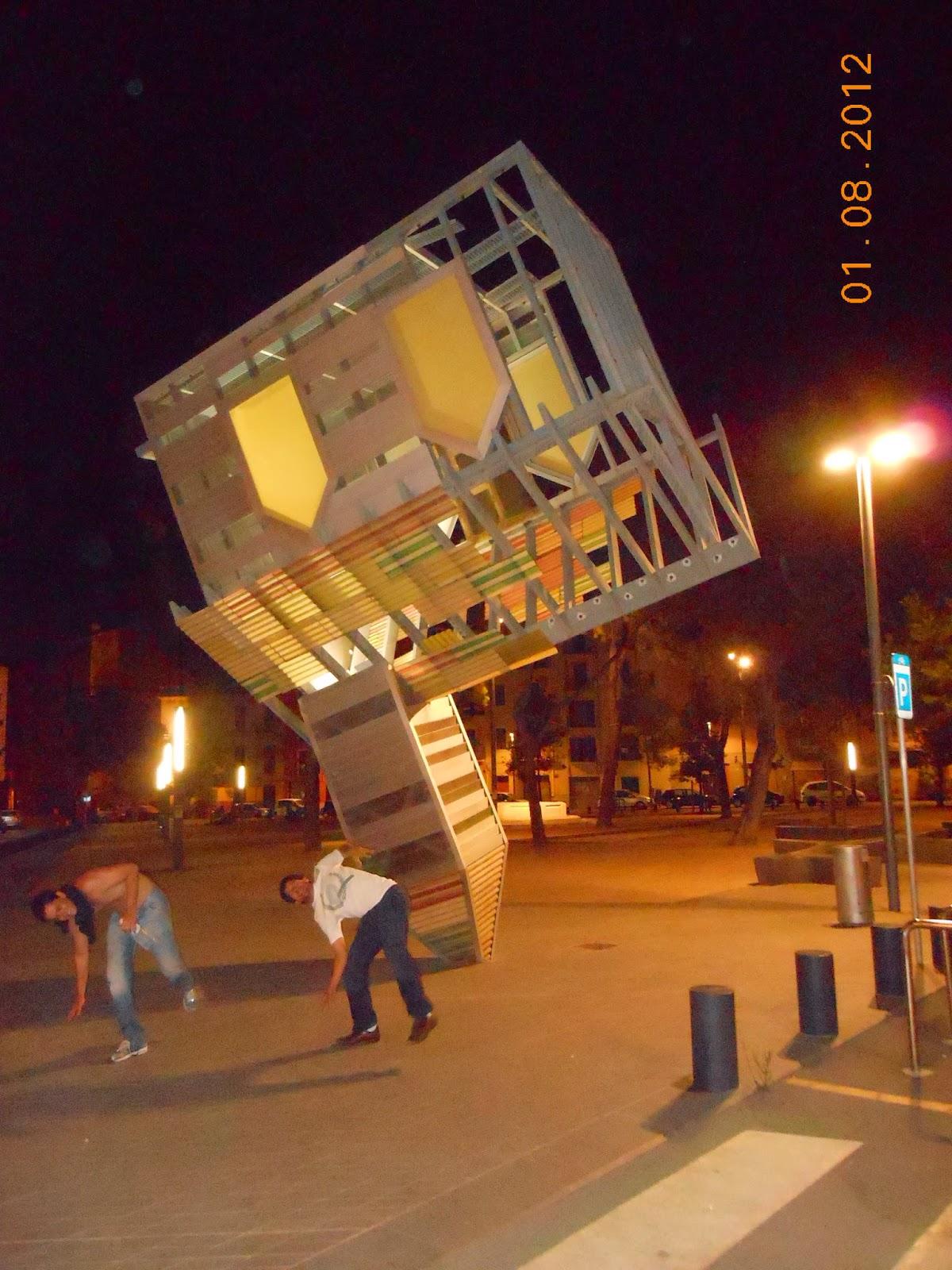 Beber demais causa terremoto alcoólico - Palma de Maiorca- Espanha - Praia