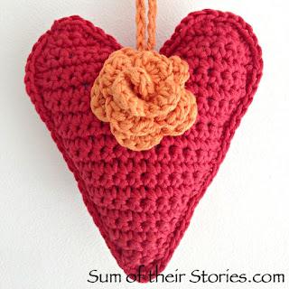 http://www.sumoftheirstories.com/2016/06/crochet-heart.html