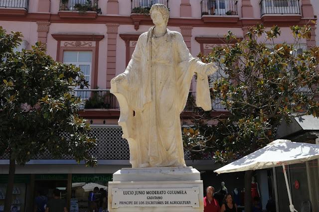 Estatua de Lucio Junio Moderato Columera