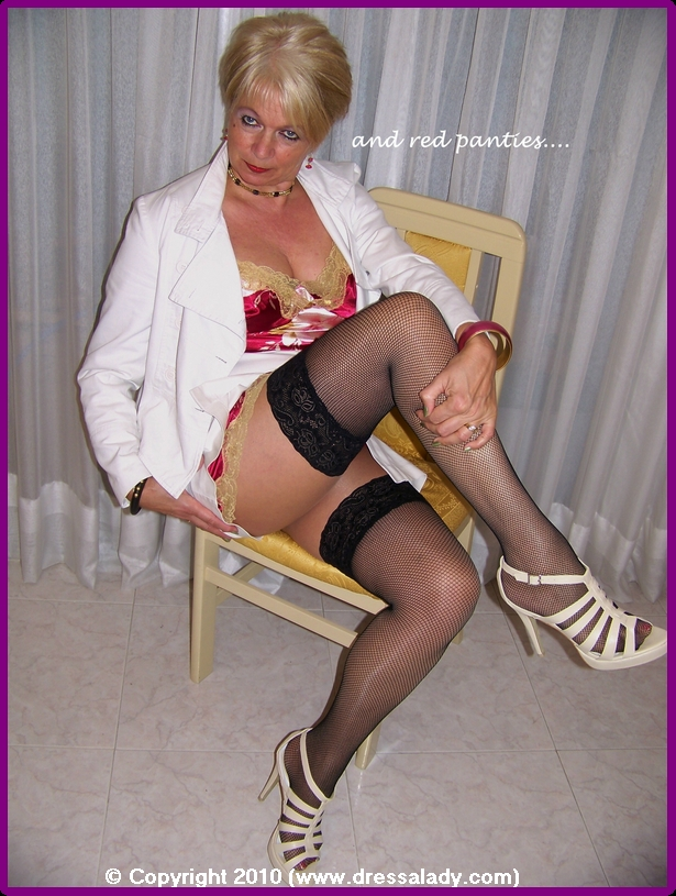 mature women stockings or pantyhoses pictures