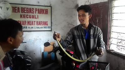 Puluhan Wanita Penjaga Kios Grosir Batik Setono Histeris Karena melihat ini