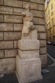 Piazza de la escultura parlante