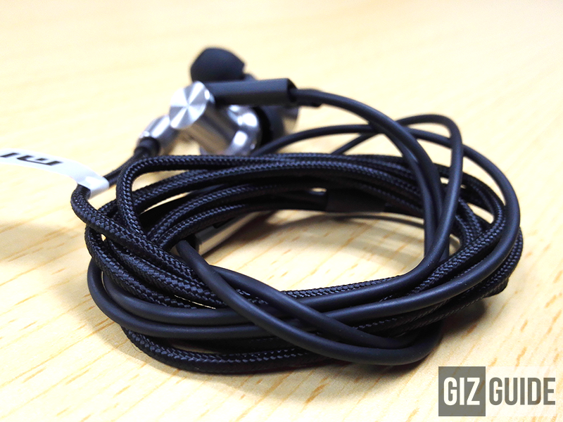 Xiaomi Mi Hybrid IEM Hands On Impressions! Unbeatable Sound For The Price!