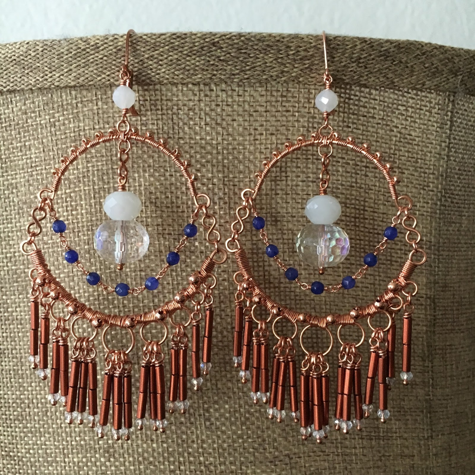 Small Earrings Can Pull It Off, Yes!