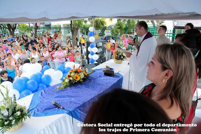 2100 menores de Cúcuta y Norte de Santander reciben trajes completos para su Primera Comunión #RSY #OngCF