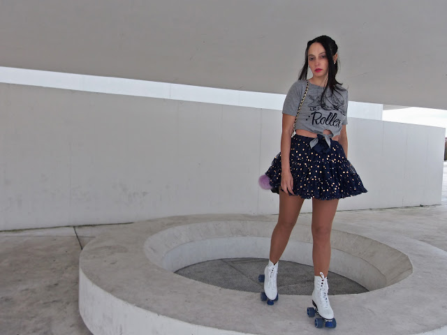 fashion, moda, look, outfit, blog, blogger, walking, penny, lane, style, streetstyle, estilo, chic, trendy, cool, casual, sport, roller, rock, romantic, tulle, skate, crop, shirt, celebrate, hym, boohoo. zara, photo, model, inspiration, holiday, christmas