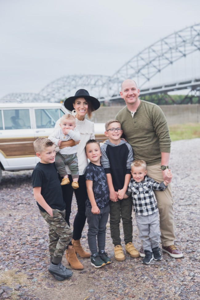 Family Photos- The Best Tips for Choosing All the Outfits