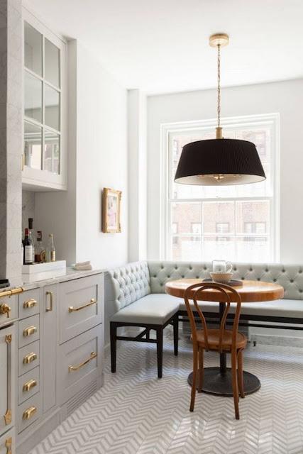 Маленький круглый столик  в уютной кухне! 10 фото для вдохновения