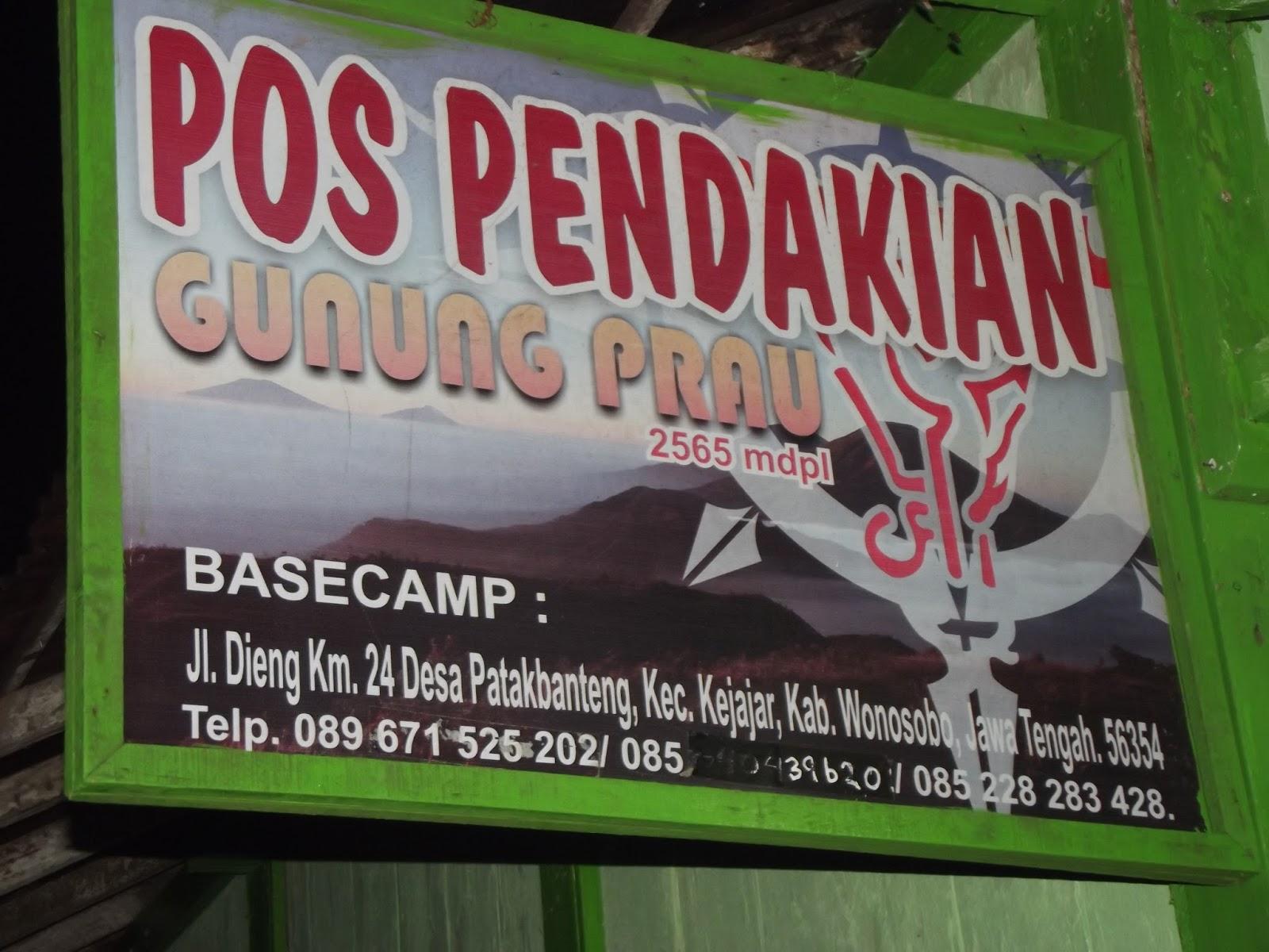 Gunung Prahu terkadang ja Gunung Prau 2 565MDPL terletak di kawasan daratan tinggi Dieng Wonosobo Jawa Tengah Gunung Prahu merupakan tapal batas