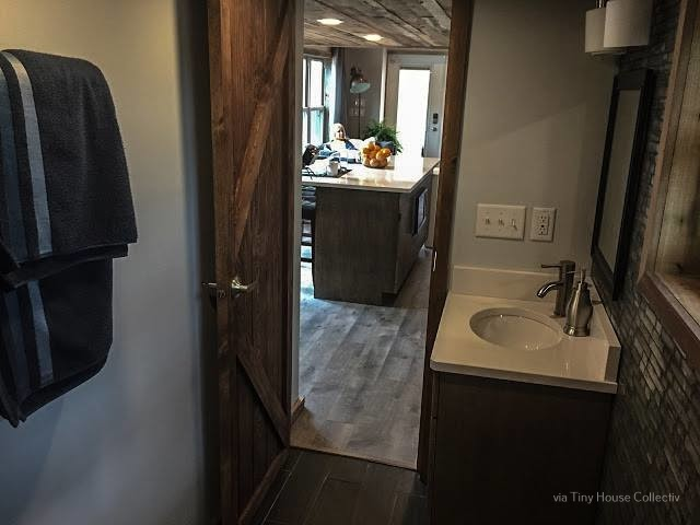 05-Bathroom-LiL-Lodge-Tiny-Home-with-Great-Design-Features-www-designstack-co