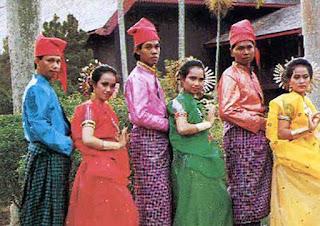 Baju Adat Suku Bugis. Sejarah Asal Usul Suku Bugis (Tau Ugi)