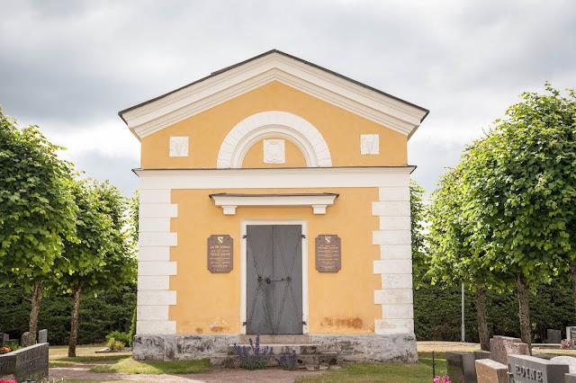 mannerheim hautakappeli askaisten kirkko