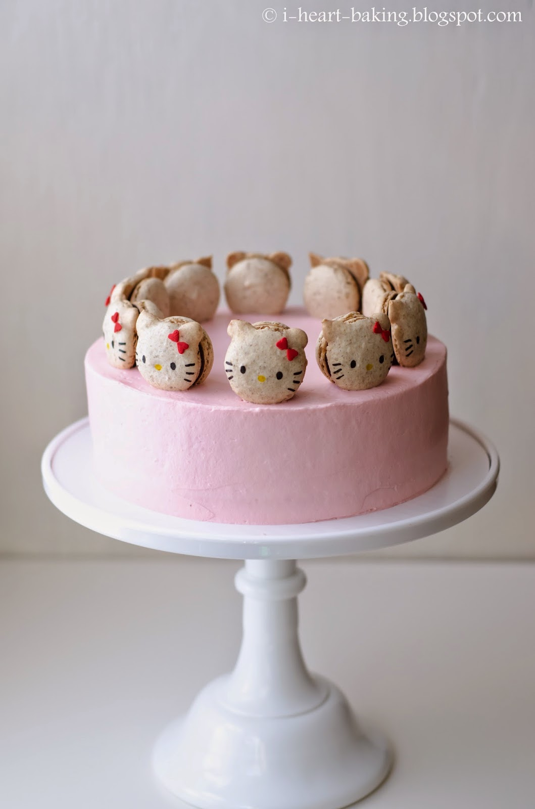 I Heart Baking Hello Kitty Macaron Cake With Neapolitan