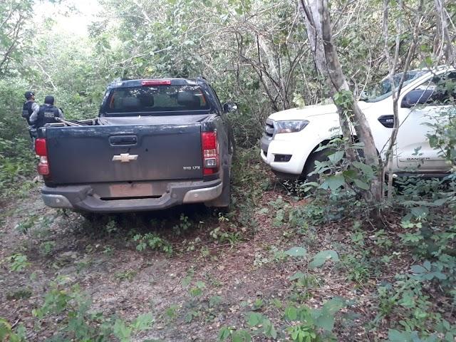 Polícia apreende veículos no povoado Lagoa do Camelo suspeitos de serem usados em assalto a banco