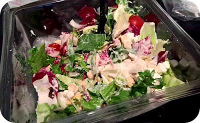 salata greceasca de la Eisberg