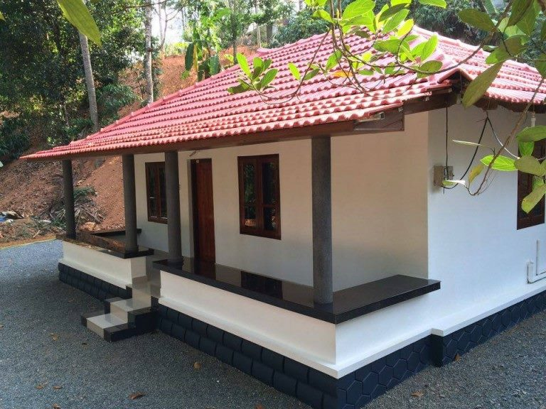 550 sqft low cost traditional 2 bedroom kerala home free for Low cost house plans with photos in kerala