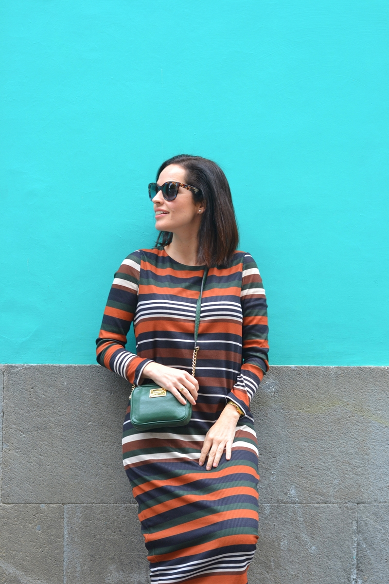 stripes-dress-green-outfit