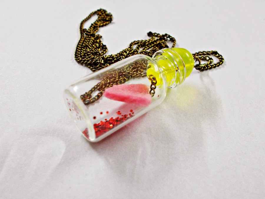 DIY-colgante-frasco-san valentin-corazón