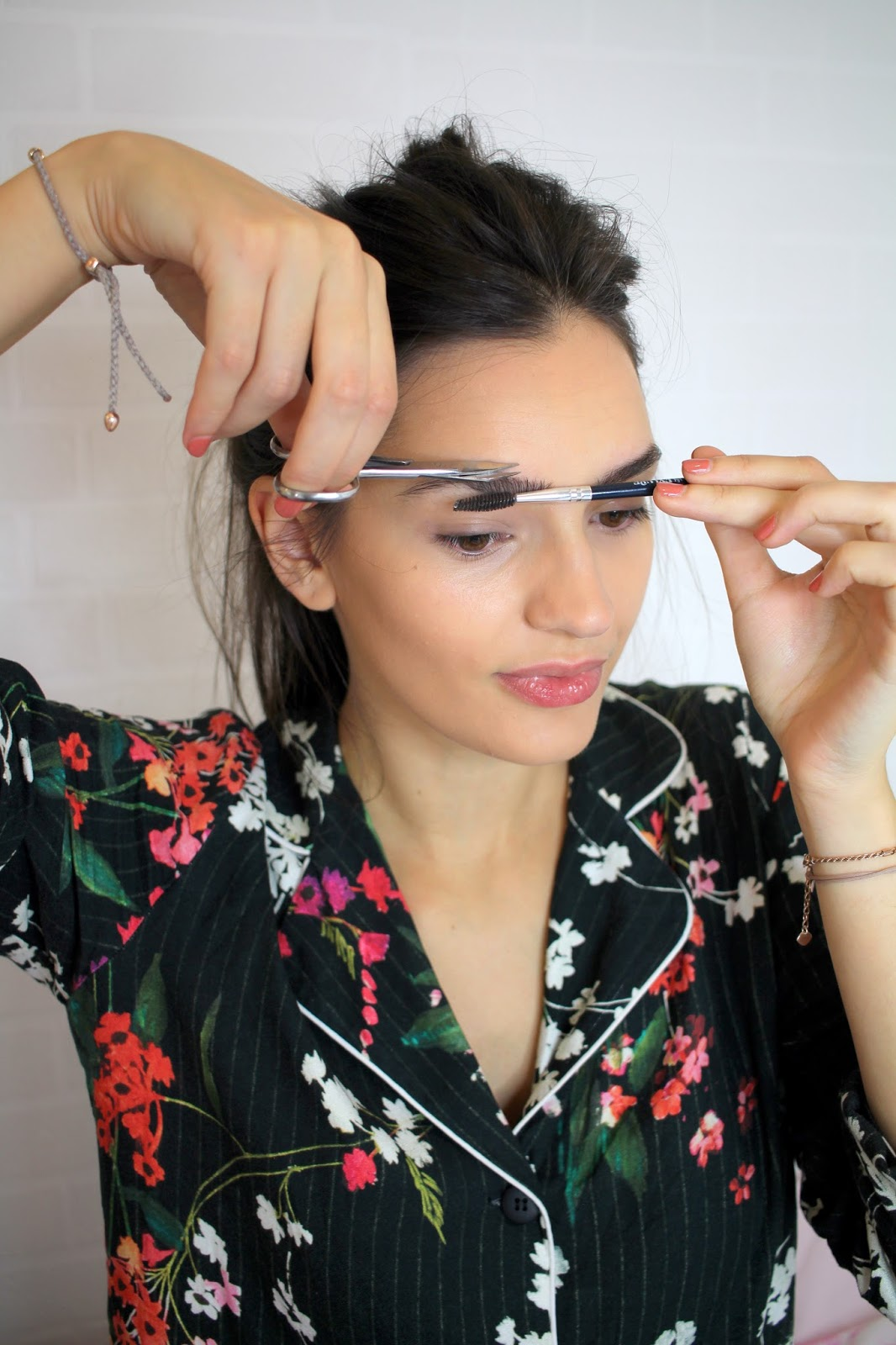 eyebrow hacks peexo beauty