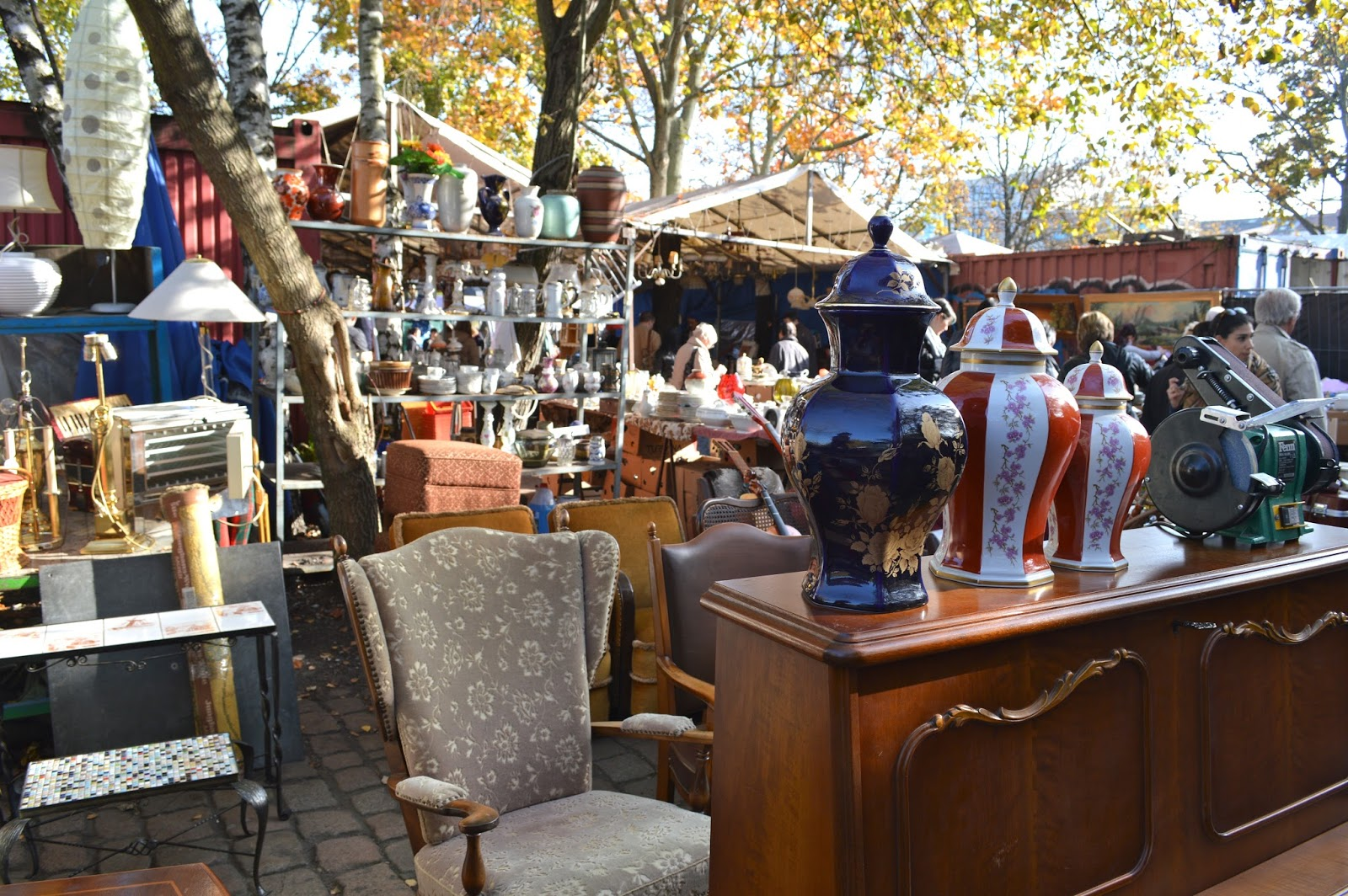 The best vintage shopping in Berlin Mauerpark Market