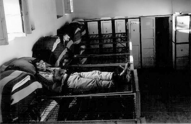 Vista parcial del dormitorio del Grupo Mixto (Foto de ENRIQUE ESCRIBANO)