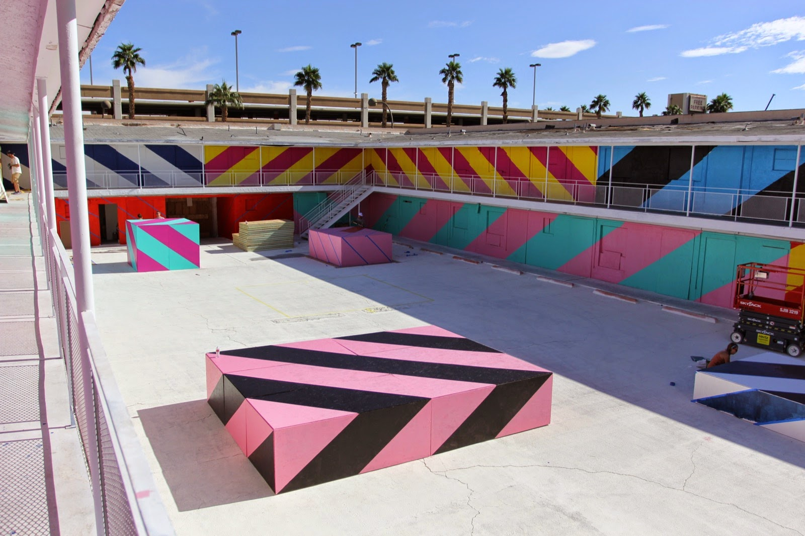 Maser is currently in Las Vegas, Nevada where he spent the last two days working on this new installation with JustKids for the Life Is Beautiful Festival.
