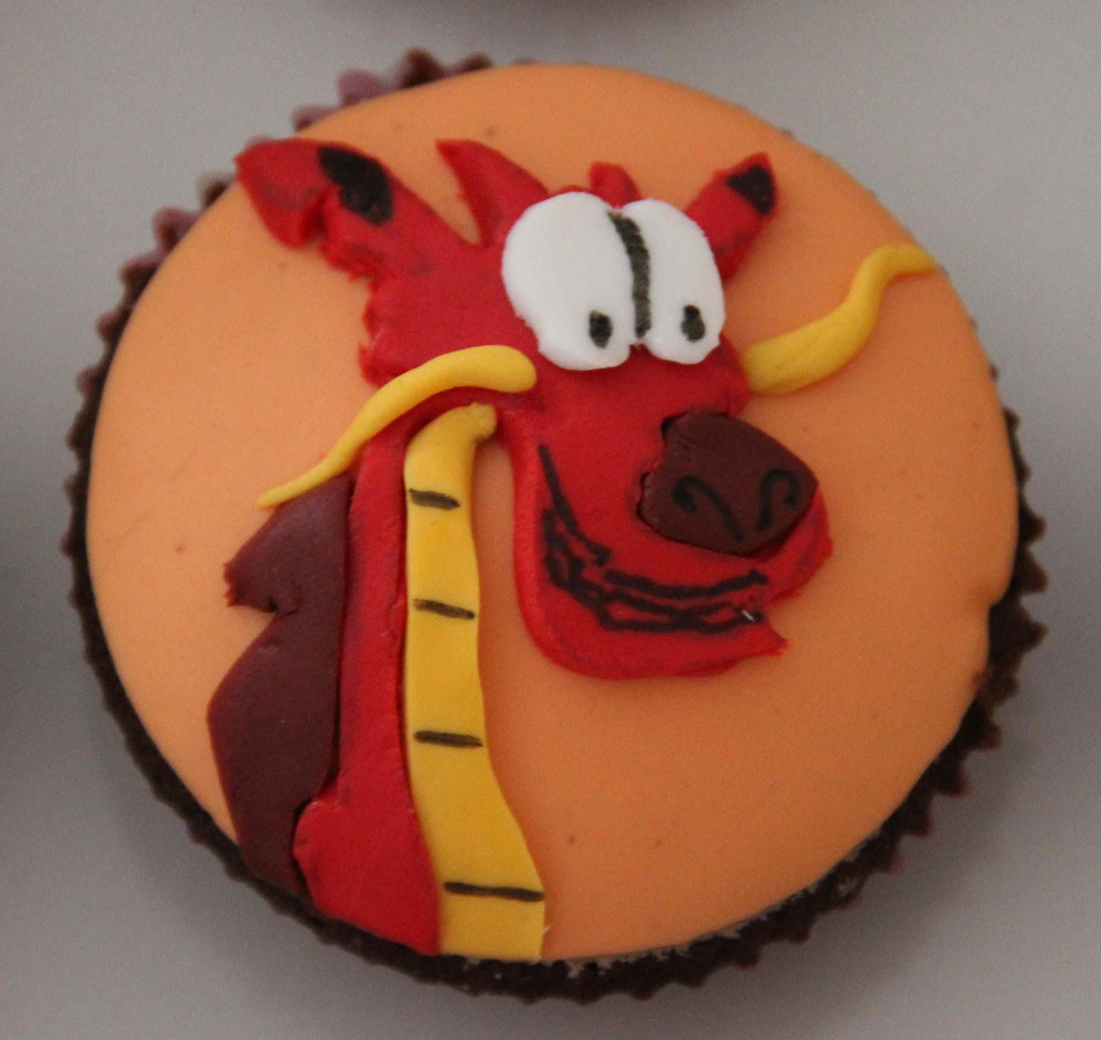 Bakerz Dad Mulan Cupcakes