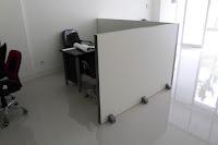 Sekat Kantor Portable Bisa Dipindah Pindah
