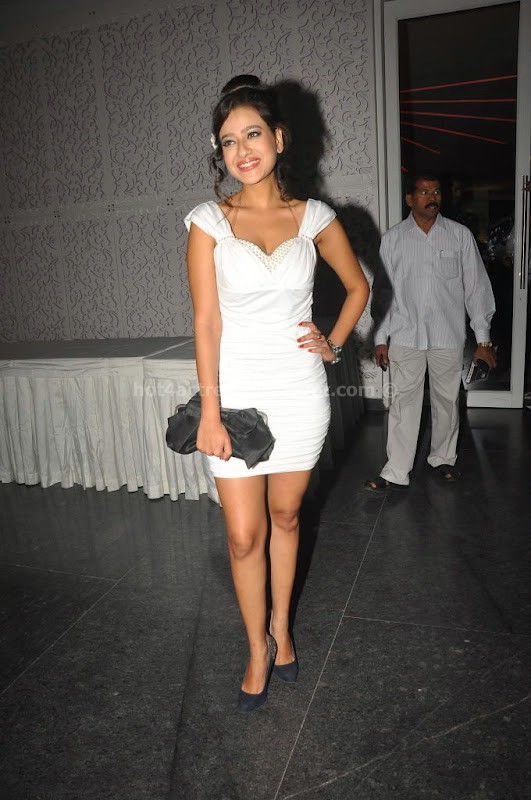 Madalasa sharma in hot dress pics