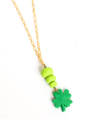 http://www.akailochiclife.com/2016/02/make-it-st-patricks-day-clover-necklace.html