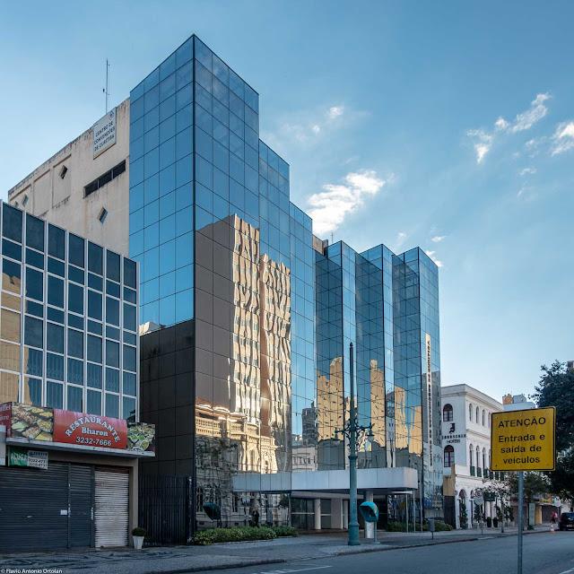 Centro de Convenções de Curitiba na Rua Barão do Rio Branco, 370