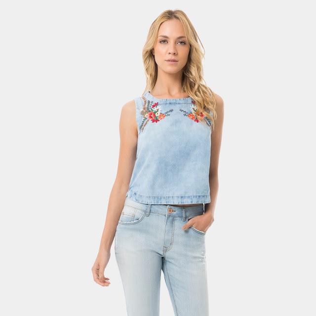 Moda Regata com Bordado Floral Jeans