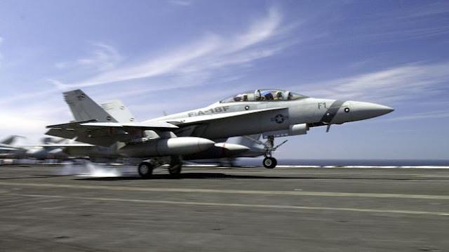 Dua Jet Tempur AL Amerika Serikat Tabrakan di North Carolina