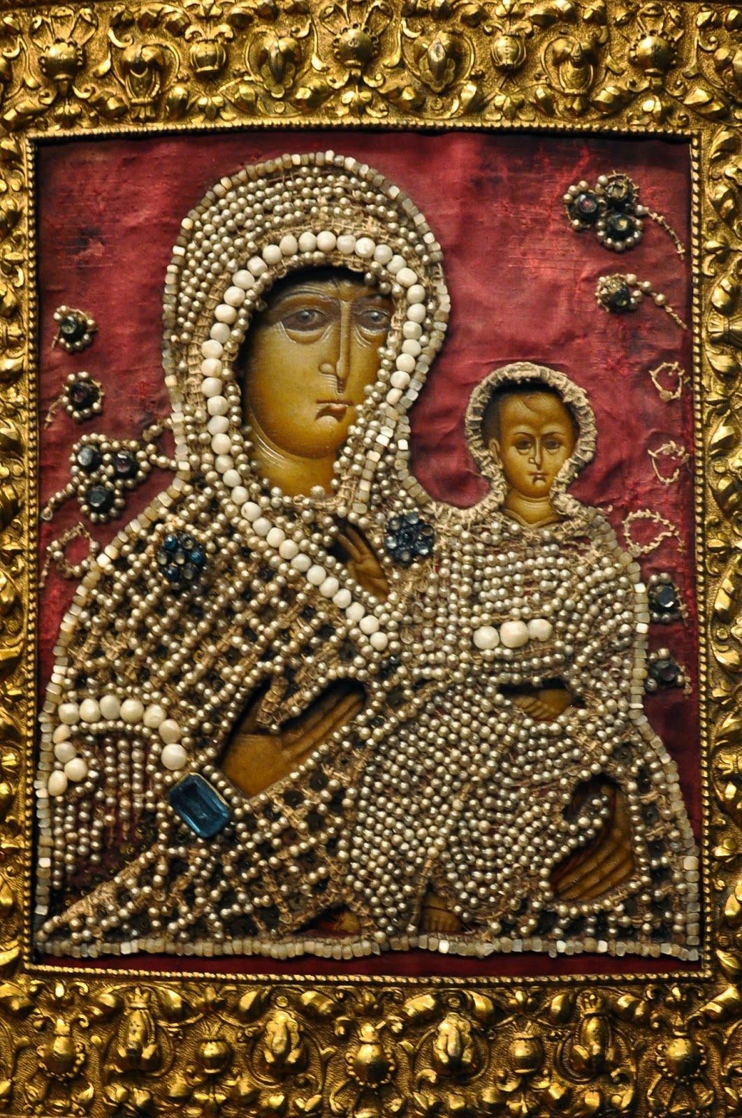 A Russian icon with an embossed metal and strung freshwater pearls covering, Gallerie d'Italia, Palazzo Leoni Montanari, Vicenza, Italia