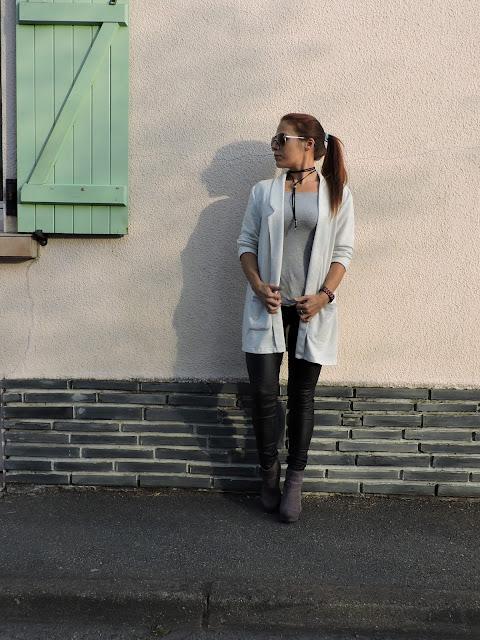 como combinar un blazer gris