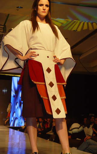 15a49b159 Moda  Diseño Vestuario Chileno  Marcela Monrroy