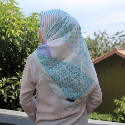 Hijab Segi Empat Simple