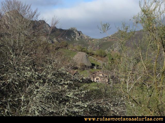 Ruta Tromeu y Braña Rebellón: Cabañas en el Rebellón