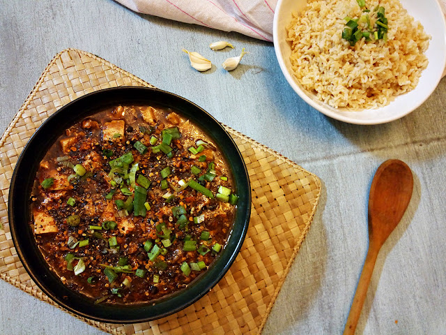 MAPO TOFU, Mapo Doufu, Chinese food, Chinese cuisine, Pan Asian food, Homemade chinese food, Chinese recipes, Food blog, top food blog, Top food blog in Pakistan, Food Lover, Foodie, Spicy Chinese Dish Recipe
