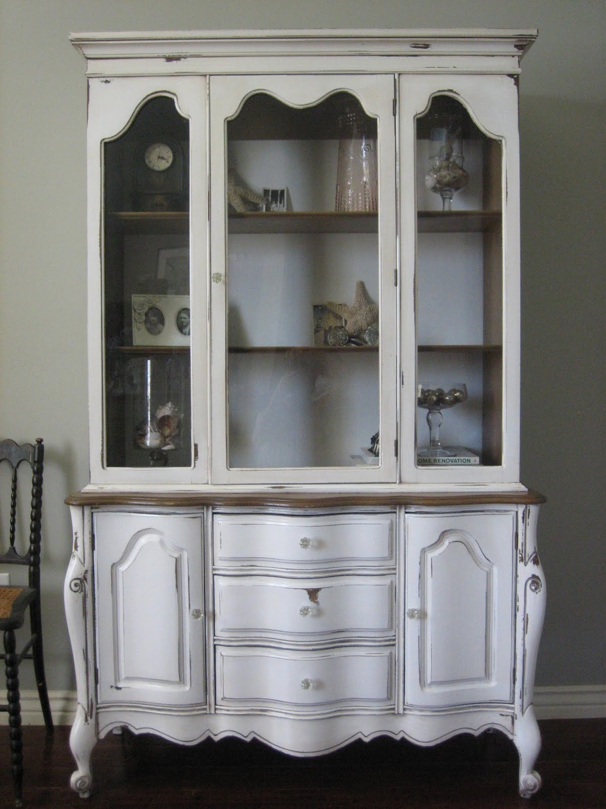 European Paint Finishes French Provincial Hutch Amp A Heads