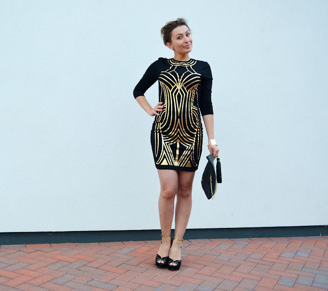 Adriana Style Blog, Black and Gold Wedges, Blogerka modowa Puławy, Fashion, Gold Print Little Black Party Dress, Mini Dress, Mini sukienka, moda, Studio One Black and Gold Dress, Sukienka ze złotym printem