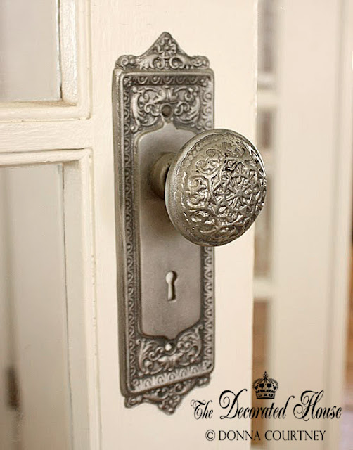 The Decorated House - DIY an Antiqued Sliver Paint Finish