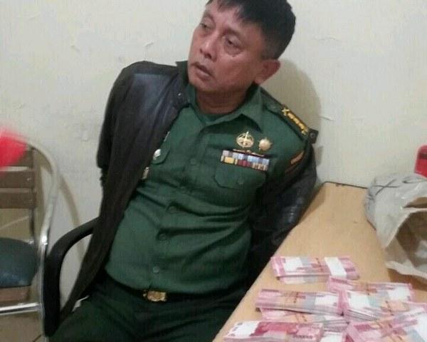 oknum kolonel TNI pengedar uang palsu