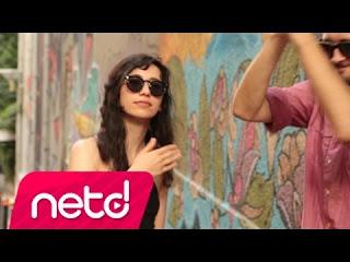 kolektif istanbul acımadı yine şarkı sözleri